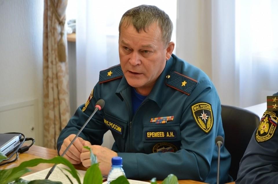 Путин уволил главу МЧС Крыма