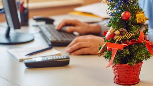 Минтруд рассказал, почему нельзя сделать 31 декабря выходным
