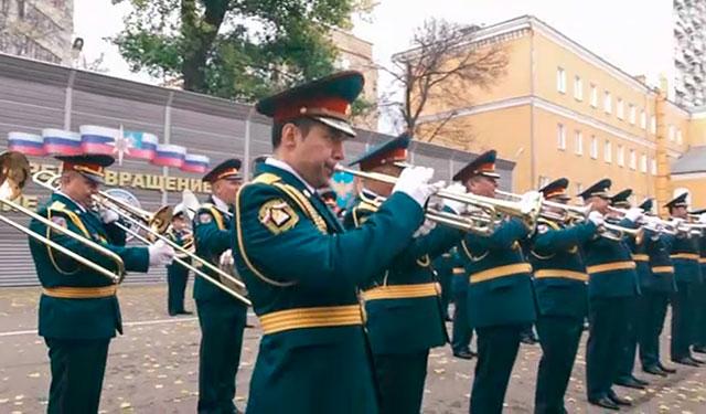 Сотрудники МЧС всей страны записали песню ко Дню народного единства