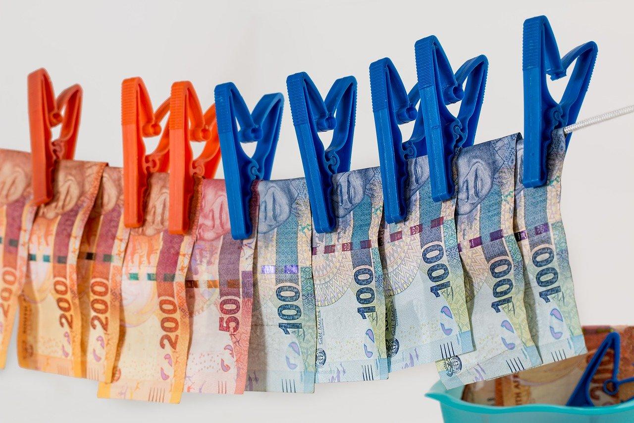 Для крымской семьи, где от отравления погибли дети, мошенники начали сбор денег