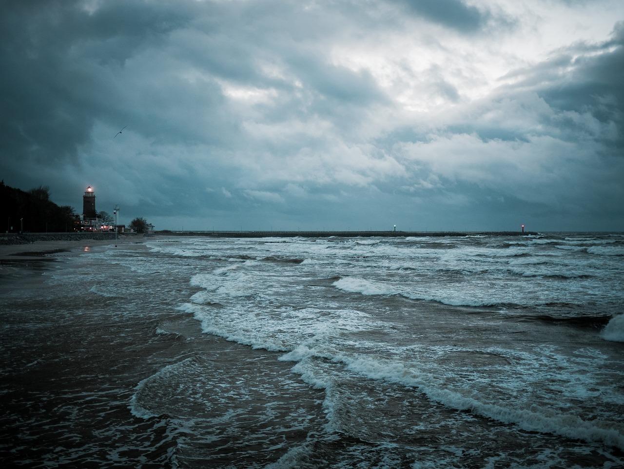 МЧС: в ночь на 23 ноября на востоке Крыма ожидается штормовой ветер