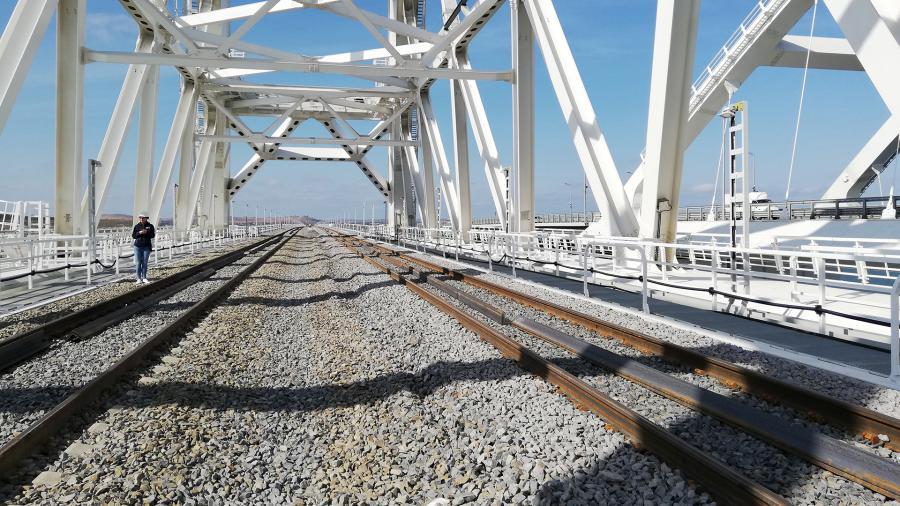 В Крыму допустили пуск украинских поездов через Крымский мост