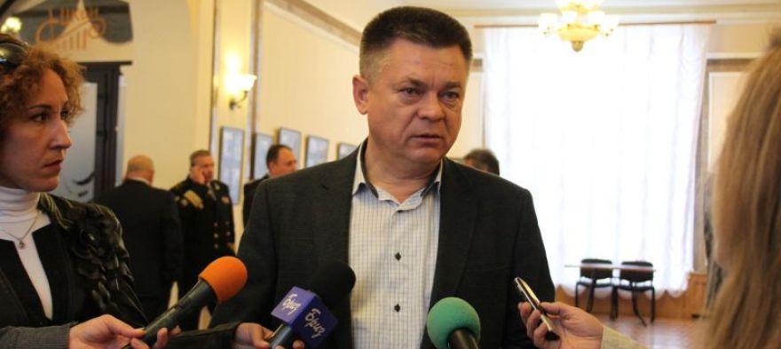 Лебедев поможет организовать ЯМЭФ по поручению Медведева