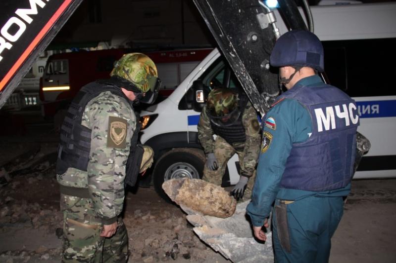 Бомбу из центра Севастополя увезли