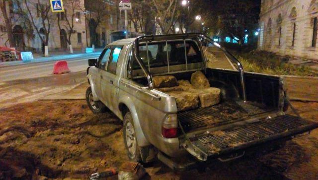 Севастопольские власти потребовали вернуть вывезенные из центра камни