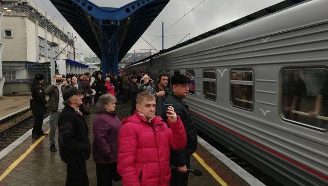 Первый пассажирский поезд из Санкт-Петербурга прибыл в Севастополь