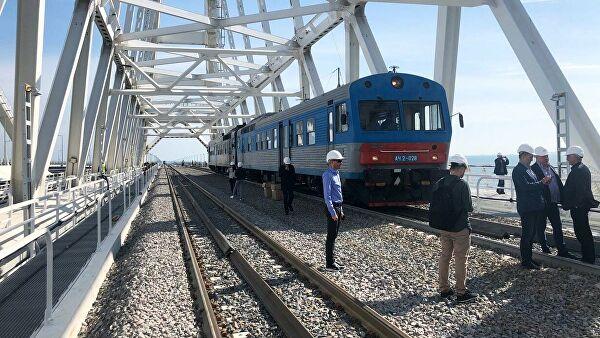 СМИ: Владимир Путин лично откроет железнодорожное сообщение с Крымом