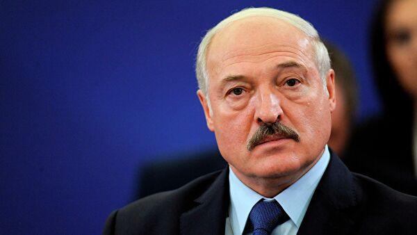 Лукашенко просят наладить авиа и ж/д сообщение с Крымом