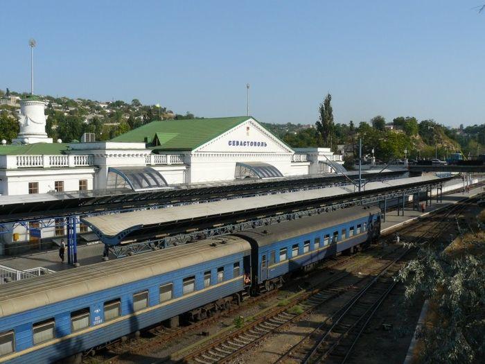 Названы песни, которыми будут встречать поезда в Севастополе и Симферополе