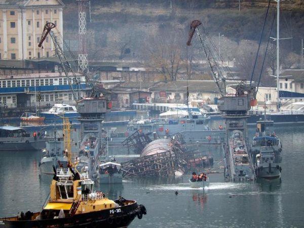 Стало известно, что сделают с затонувшей в Севастополе подводной лодкой