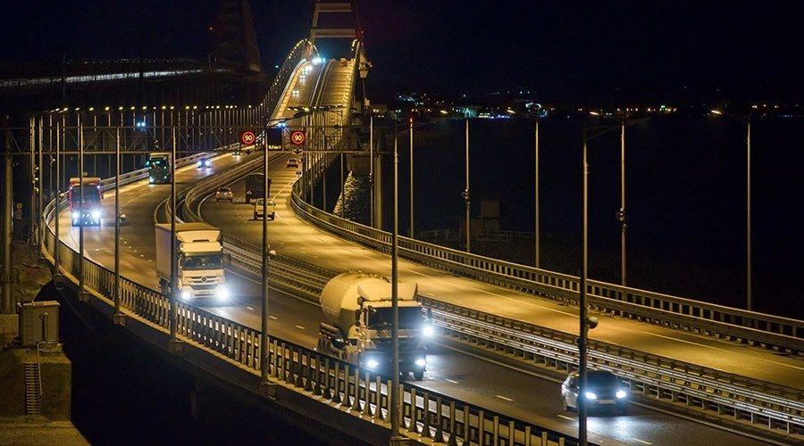 Стало известно, сколько денег сэкономил автомобилистам Крымский мост