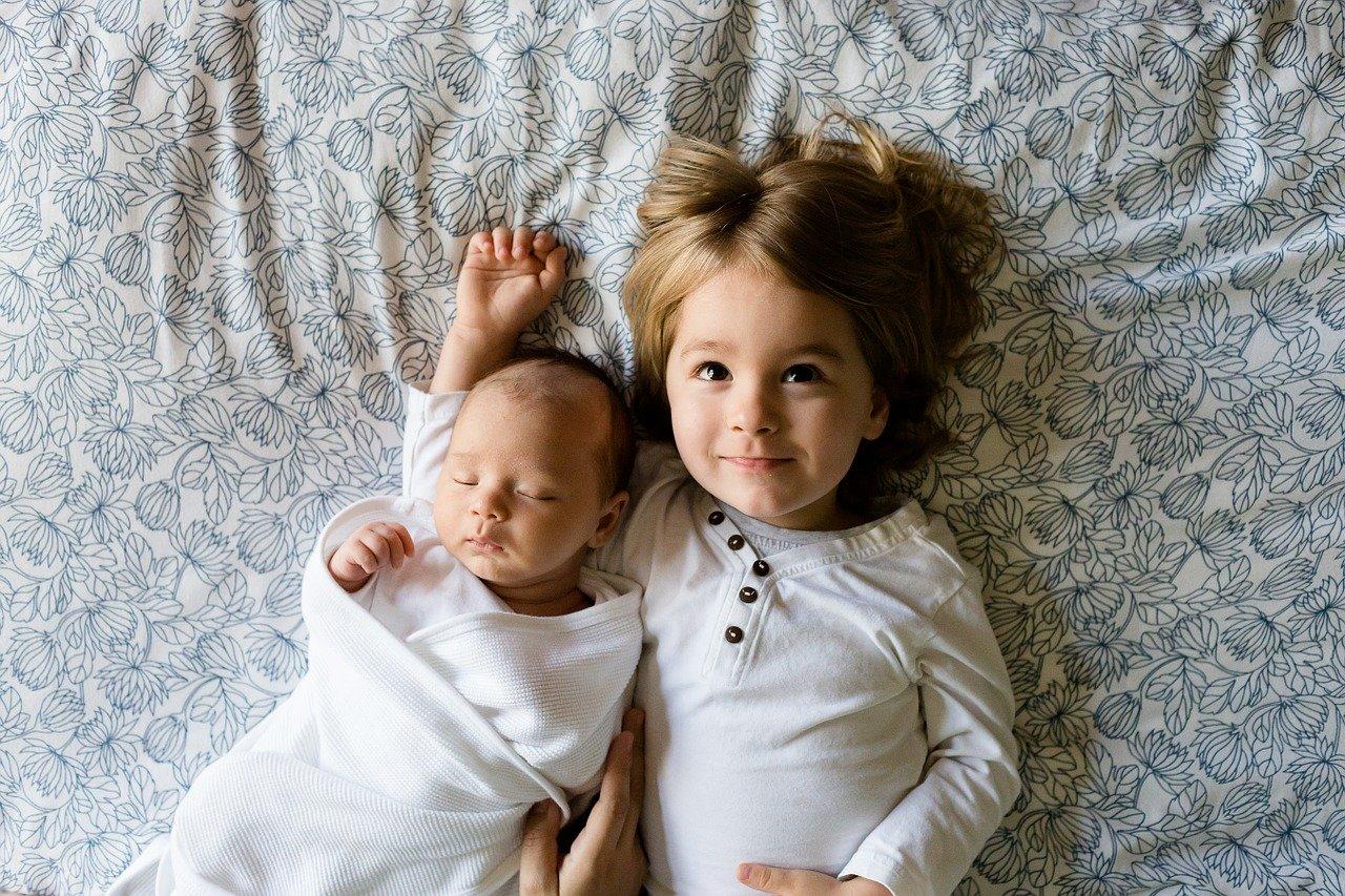 В Крыму двое малышей оказались заперты в квартире