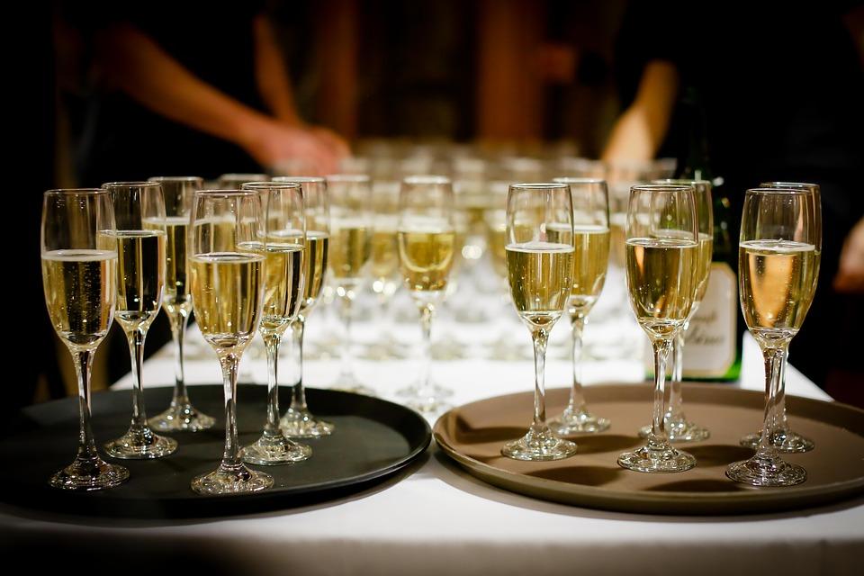 Как бокал шампанского влияет на здоровье