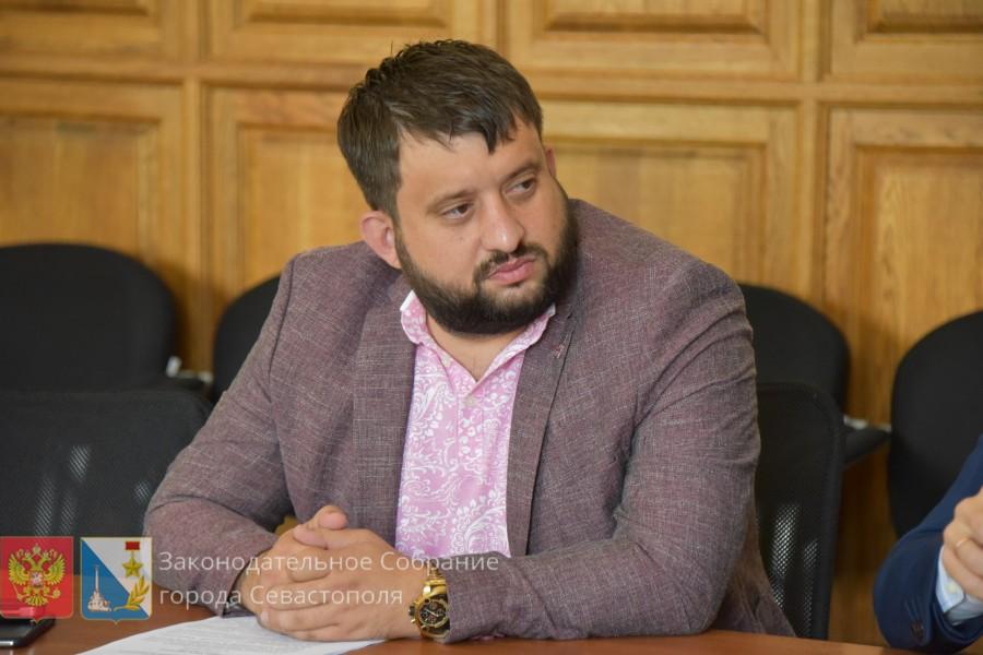 Депутат Заксобрания прокомментировал информацию о заграничных активах