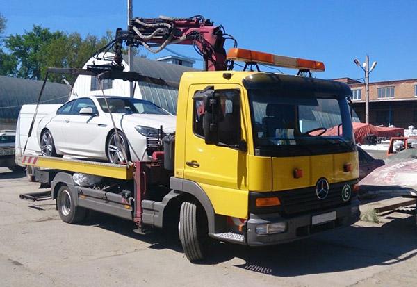 С начала года в некоторых городах Крыма подорожает эвакуация и хранение машин на штрафплощадке
