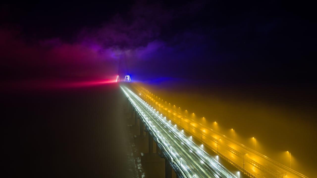 На Крымском мосту протестировали новую ночную подсветку