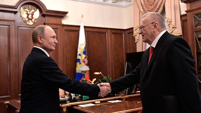 Путин обещал подумать над предложением Жириновского снизить НДС