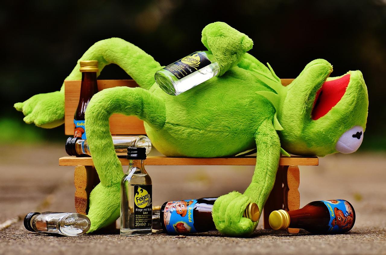Названы алкогольные напитки с самым сильным похмельем