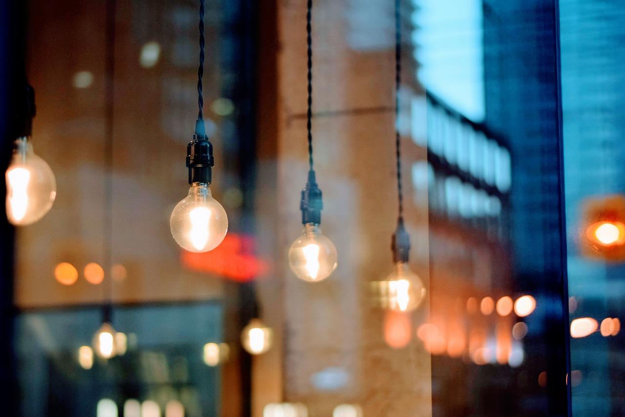 Сверьте адреса: где в Севастополе будут отключать свет на выходных