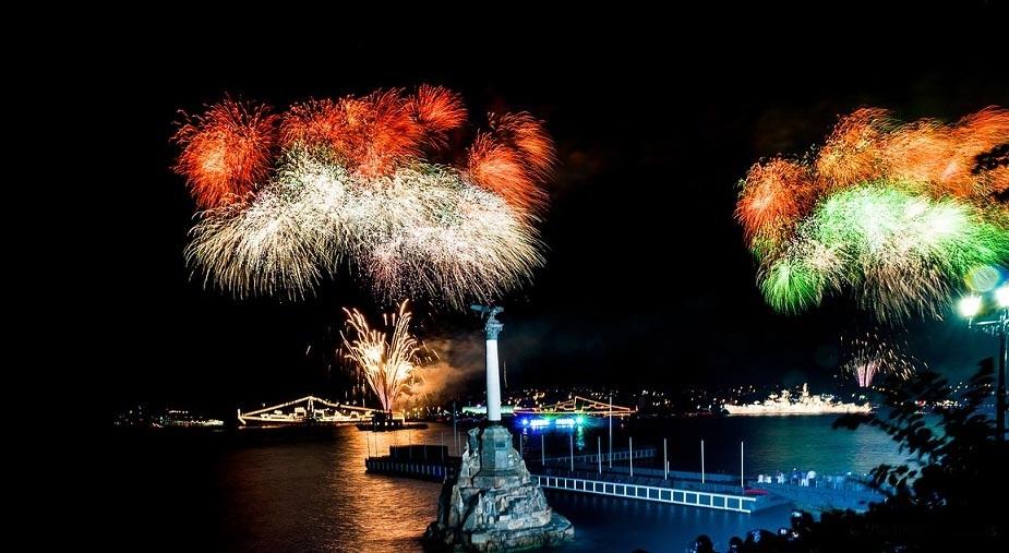 Напоминаем, как будут ходить севастопольские катера в новогоднюю ночь