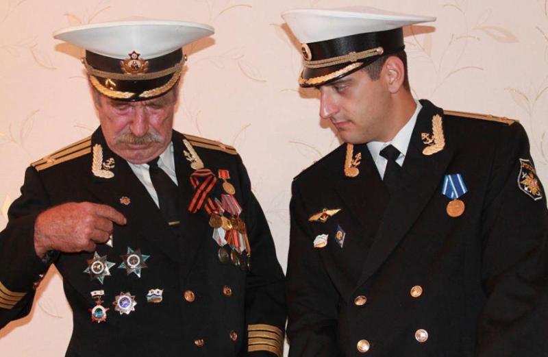 Офицер из Севастополя погиб во время пожара на крейсере «Адмирал Кузнецов», спасая других