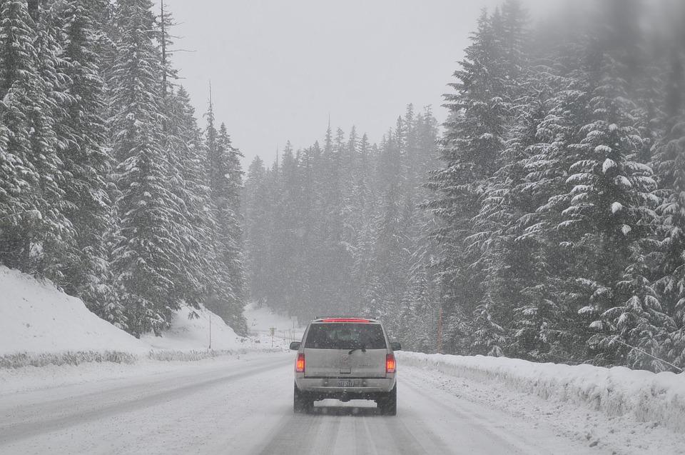 Эксперт назвал оптимальное время прогрева машины зимой