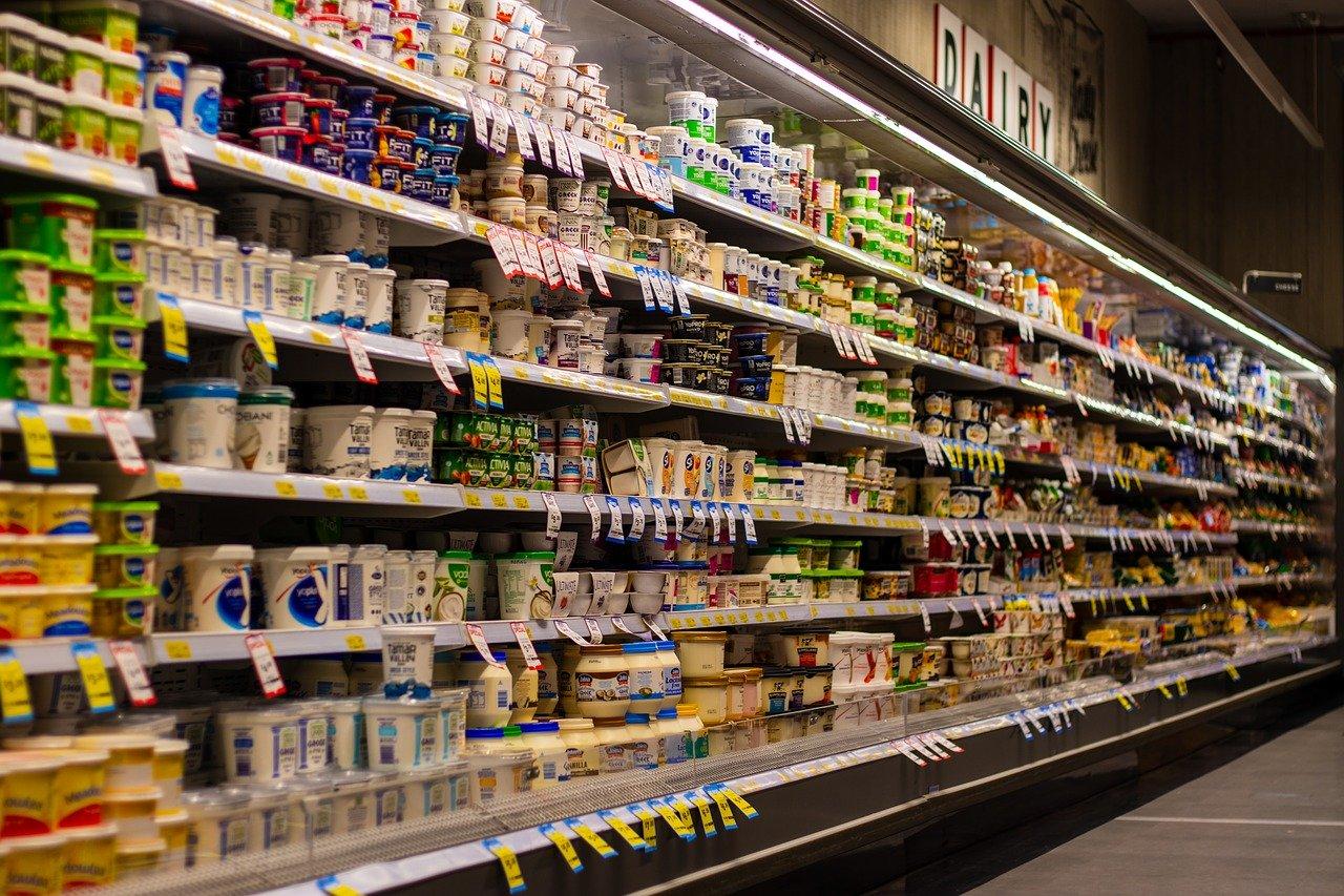 Росстат выяснил, сколько россияне тратят на продукты