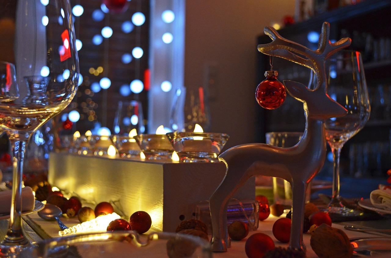 Эксперты сравнили стоимость новогоднего стола в регионах России