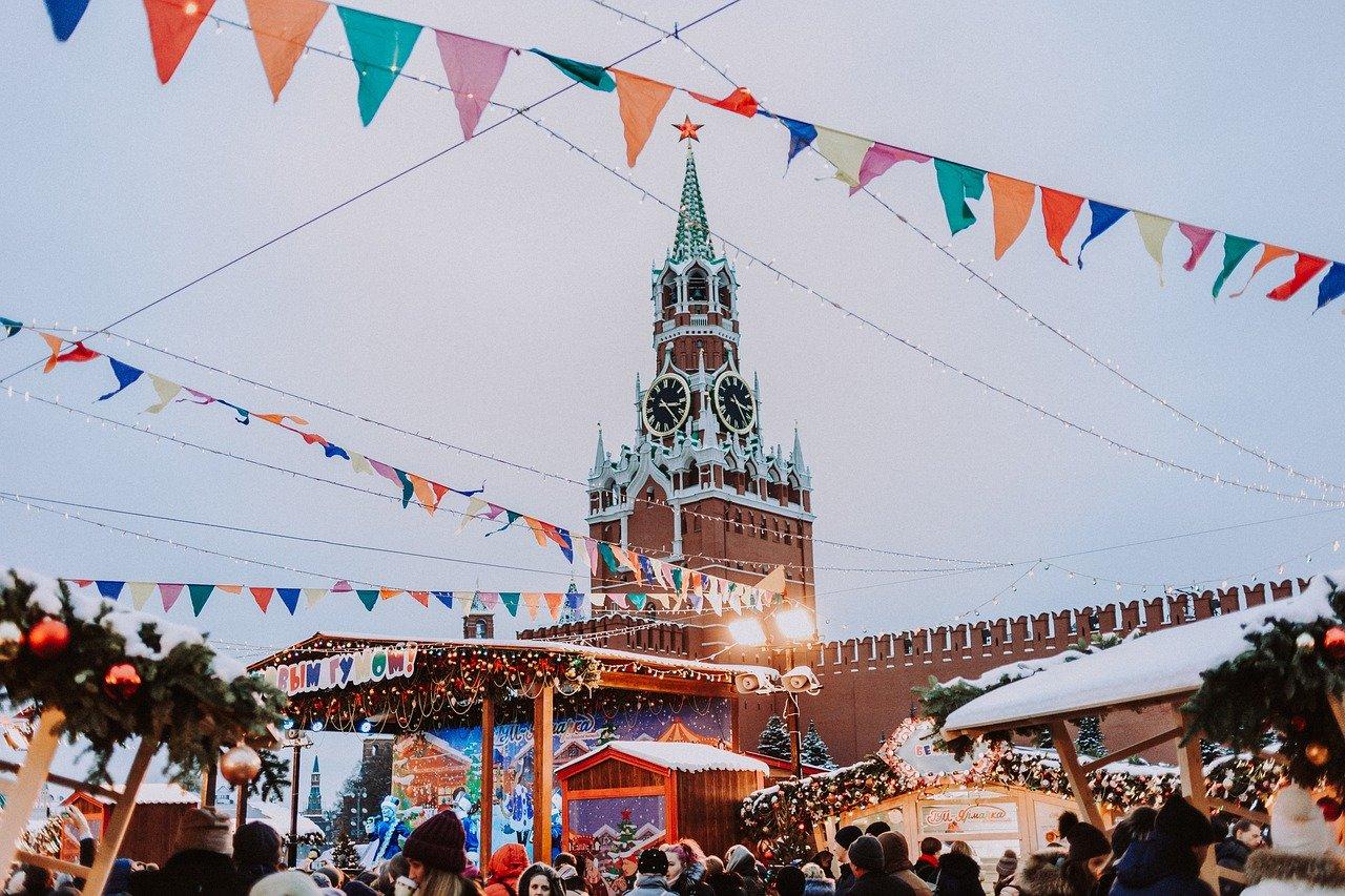 В России предложили выдавать «новогодние визы» иностранцам