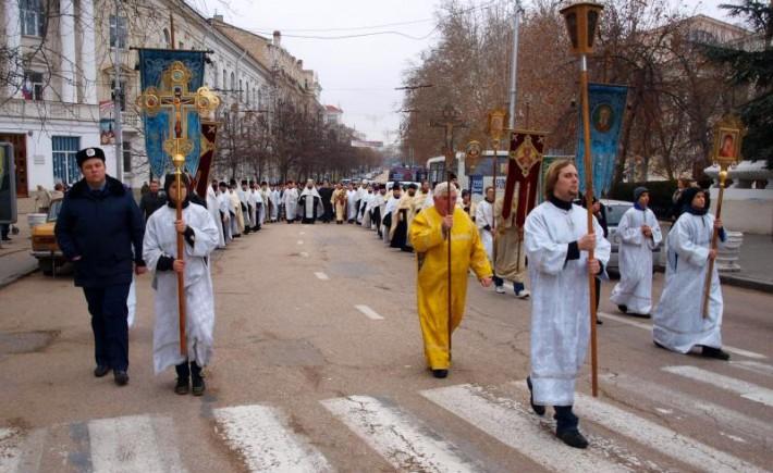 В Севастополе перекроют движение на время Крестного хода