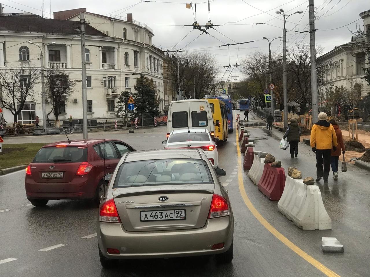 «Будет большая пробка»: в центре Севастополя изменили схему движения