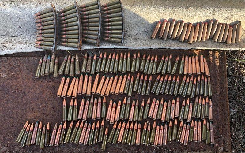 В Крыму пограничники обнаружили тайник с патронами и гранатами