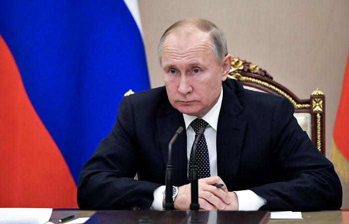 «Нужно выметать из органов власти»: Путин призвал строже наказывать чиновников-хамов