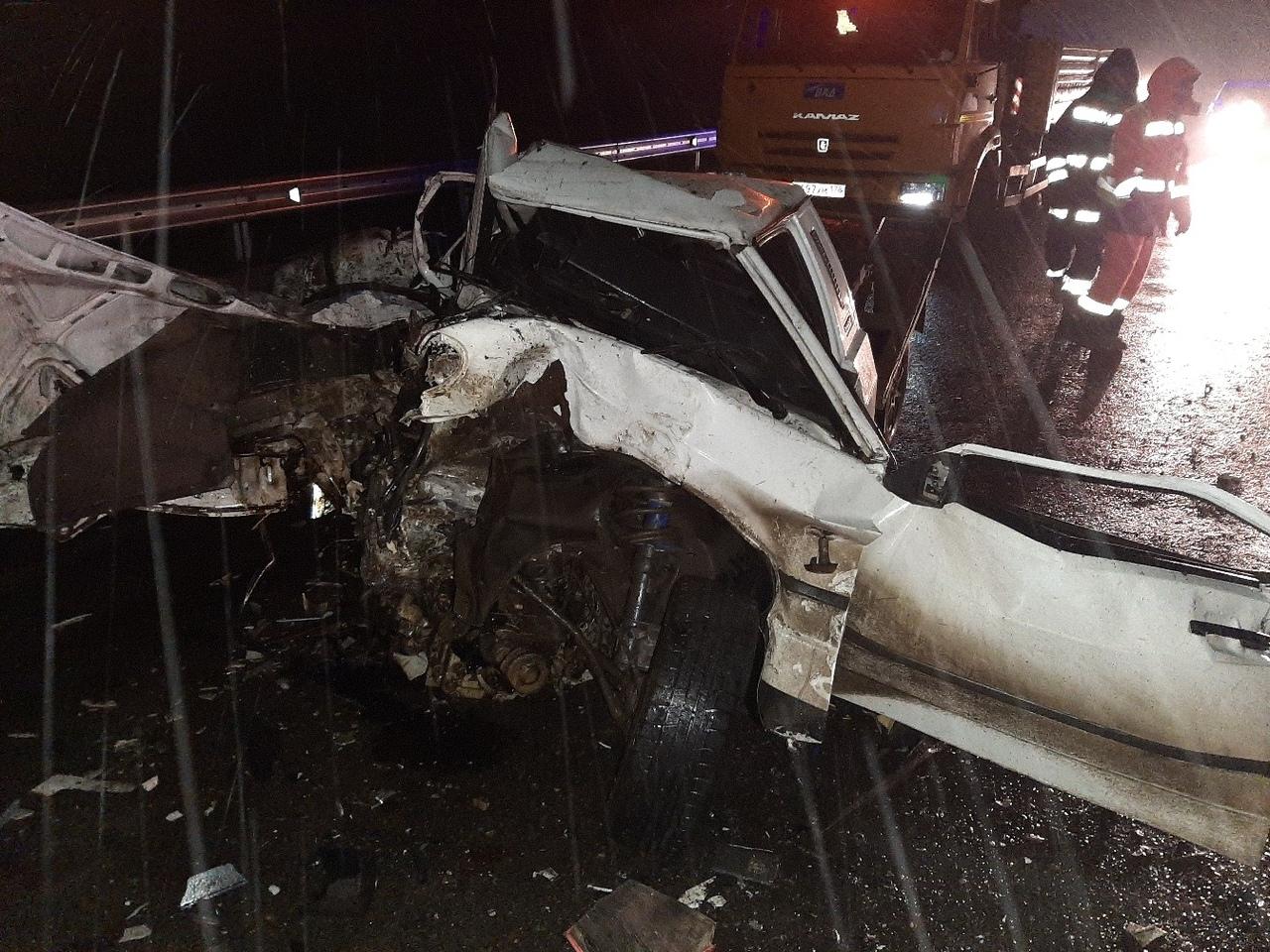 От машин ничего не осталось: в жуткой аварии на крымской трассе погиб человек