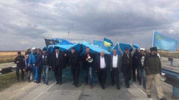 Анонсированный на Украине «марш на Крым» предложили встретить украшенными автозаками