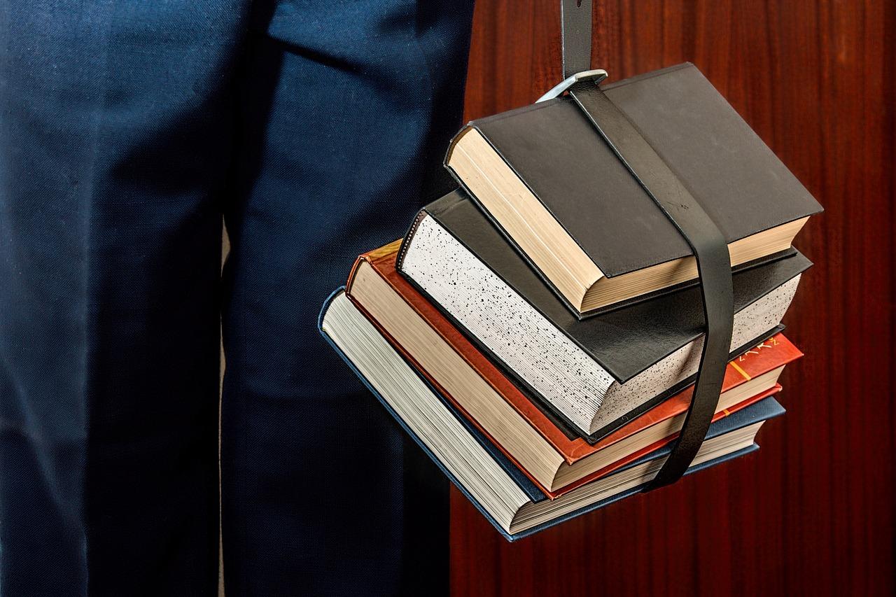 В школах Севастополя не хватает учебников