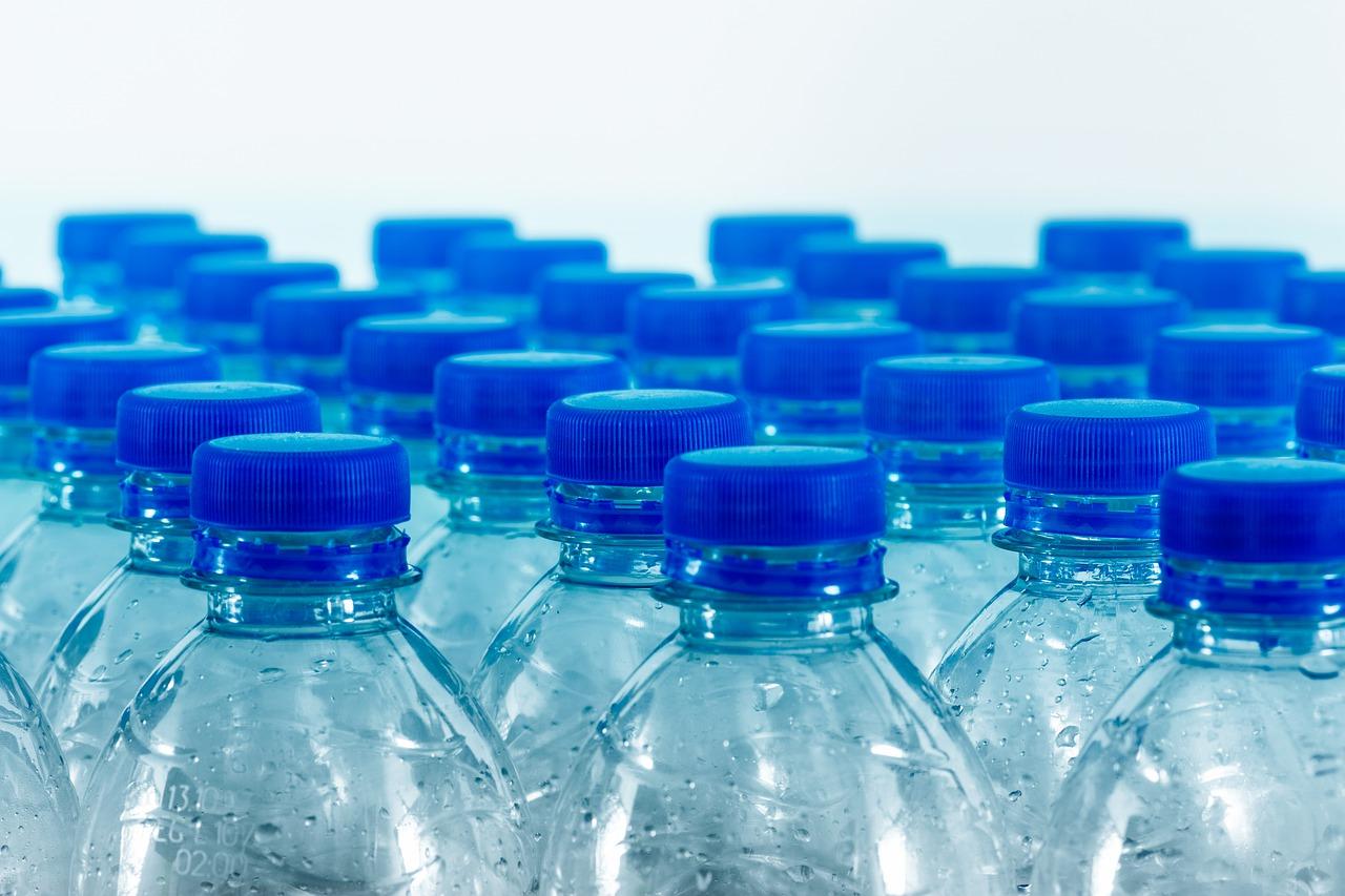 Диетолог назвала серьезную опасность минеральной воды
