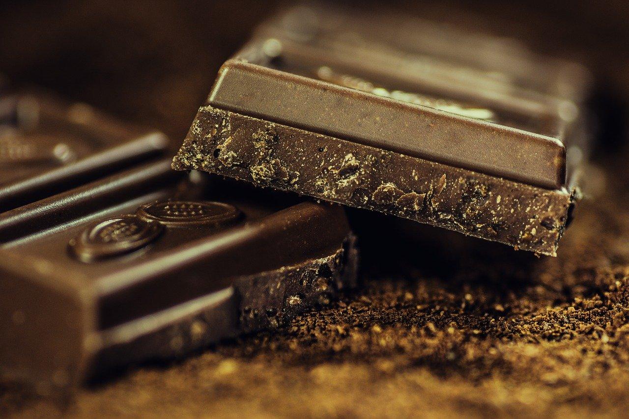 Эксперт рассказал, можно ли есть шоколад, если на нем появился белый налет