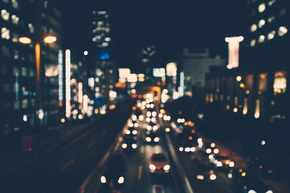 Вместо освещения дорог власти предпочитают разорять севастопольцев