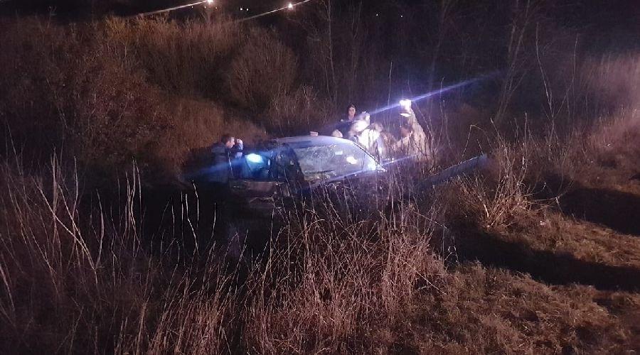 Трое погибших, трое пострадавших: ночью на крымской трассе столкнулись легковушки