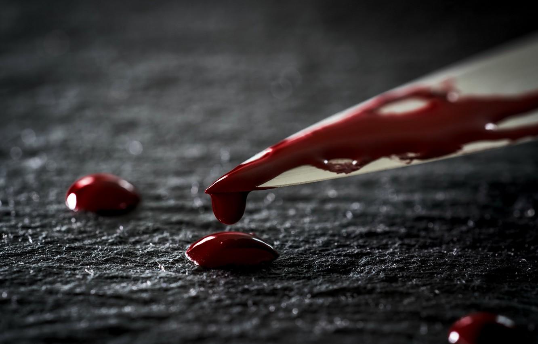 В Ялте девушка изрезала дядю ножом после «разговора» с покойным отцом