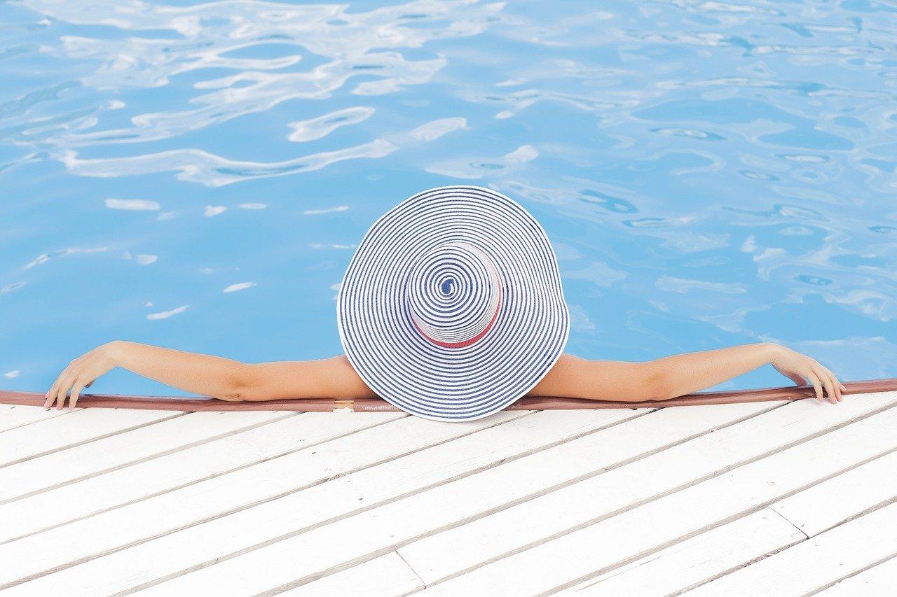 Стало известно, сколько россияне потратят на летний отдых-2020