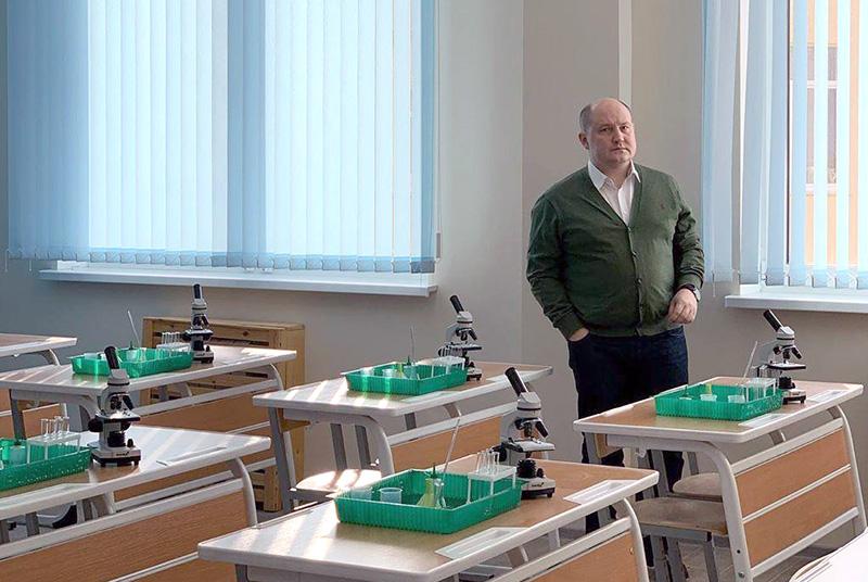 Телескопы, 3-D принтеры, медицинский класс: в Севастополе готовят к открытию новую школу