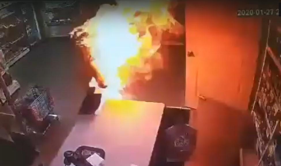 В Пермском крае мужчина решил сжечь бывшую жену на рабочем месте
