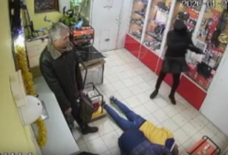 Вооруженный мужчина попытался ограбить магазин в Симферополе