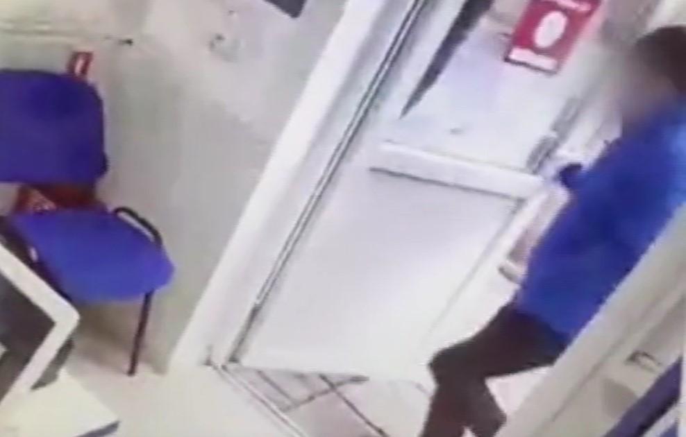Краснодарец с ножом ограбил офис микрозаймов в Крыму