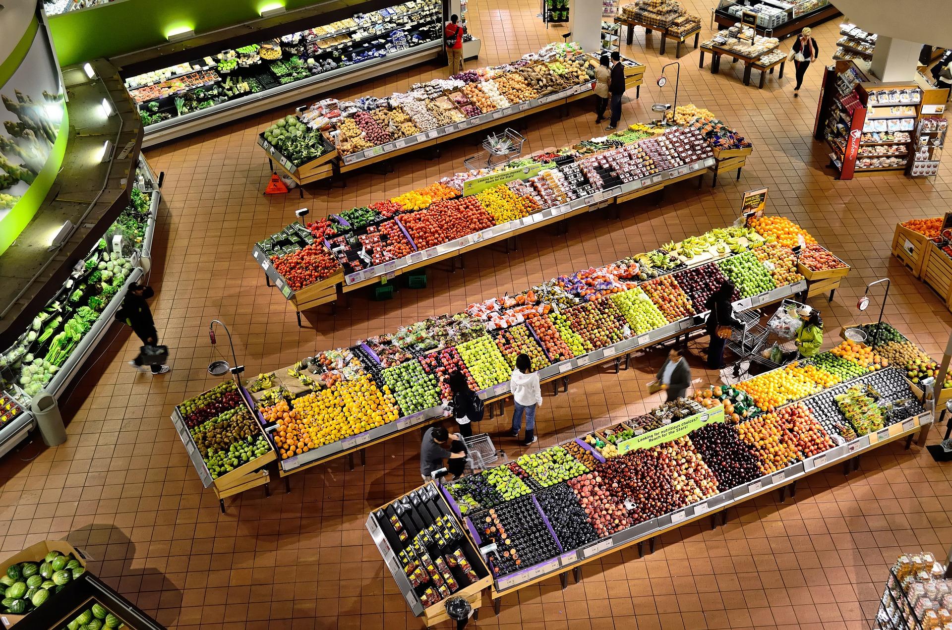 Названы самые популярные у россиян фрукты и овощи