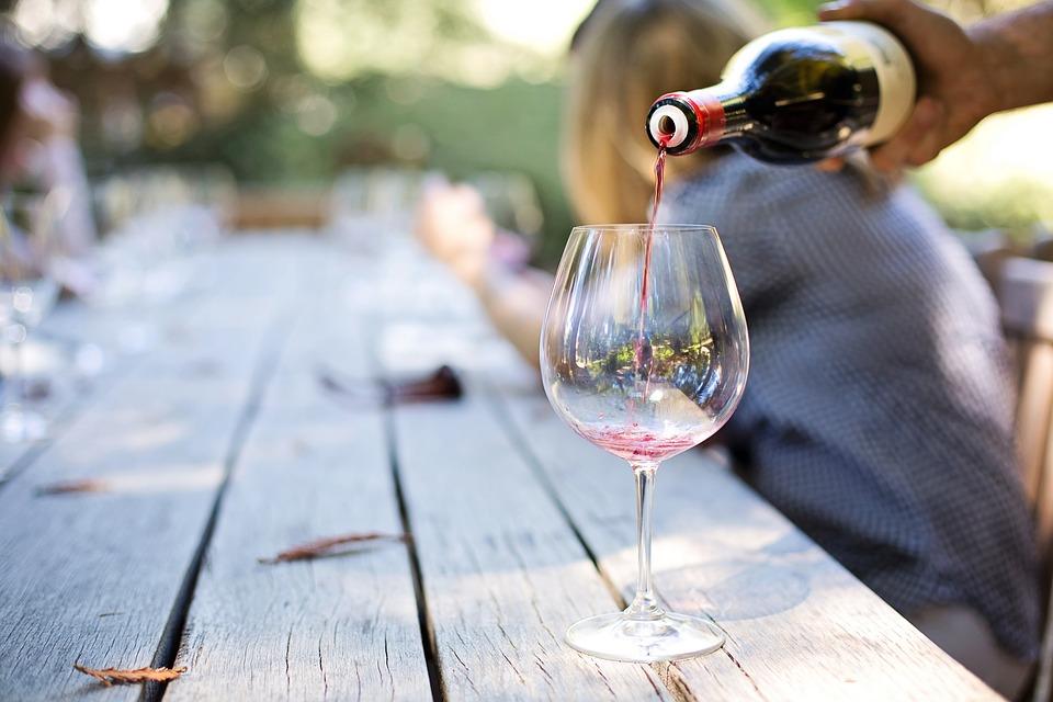Ученые заявили, что алкоголь может увеличить продолжительность жизни
