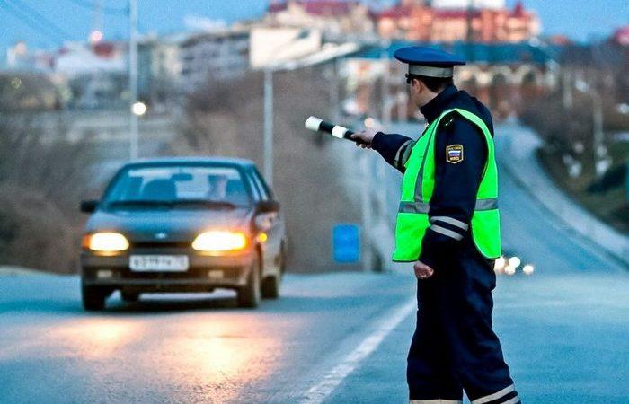 В Севастополе сотрудники ДПС нашли у водителя сверток марихуаны