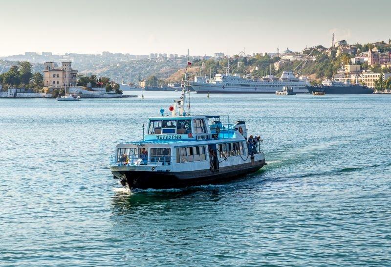 Внимание! Движение катеров и паромов в Севастополе приостановлено